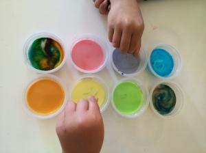 Rainbow Experiments on https://theartofhomeeducation.com